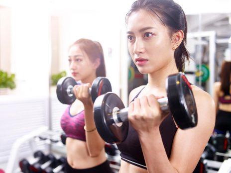 筋トレで肌が綺麗になる?美肌につながる理由や女性に嬉しい効果を解説