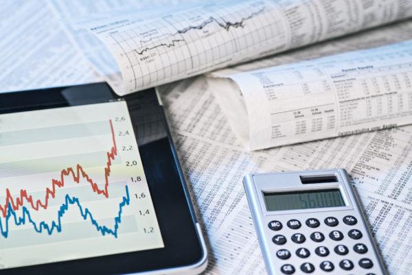 【2021】株式投資だけで生活することは可能?必要な資金やリスクについて解説