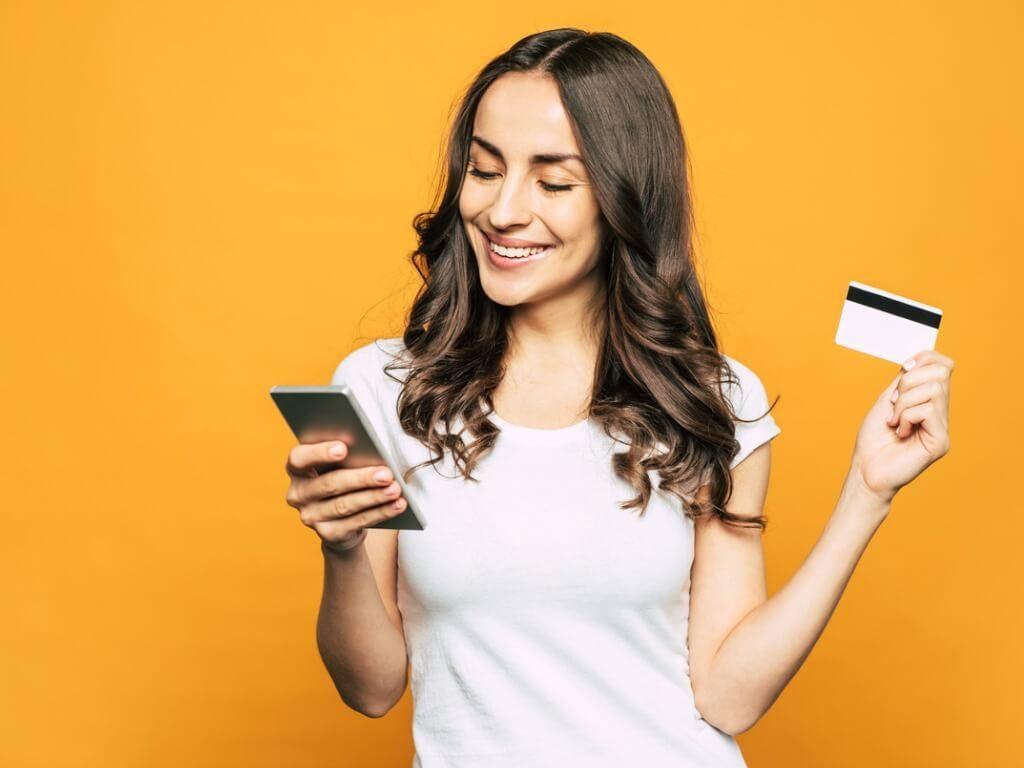 クレジットカードとキャッシュカードの一体型カードとは